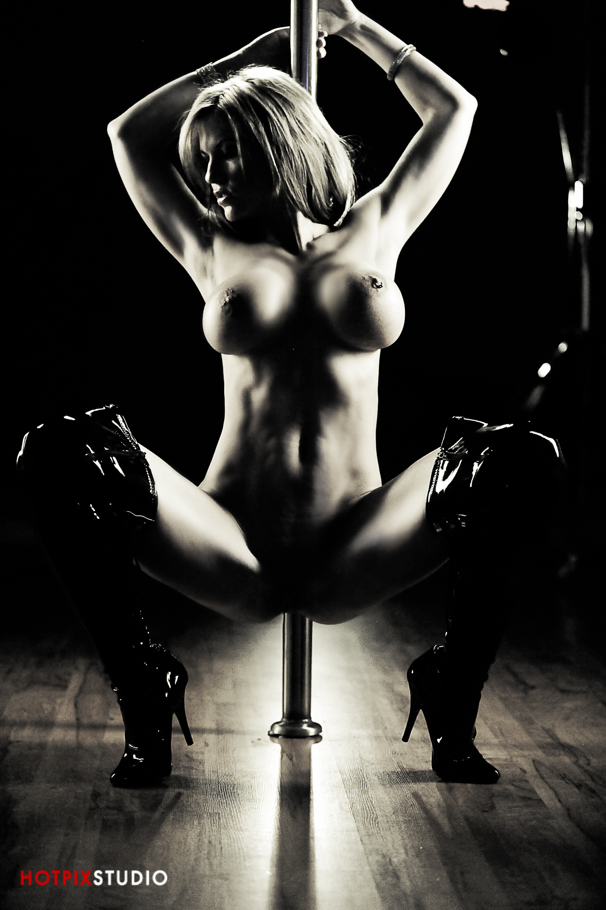 dominatrix nude photography melbourne